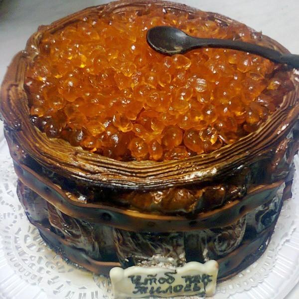Минский хлебозавод делает на заказ торты в виде женской груди
