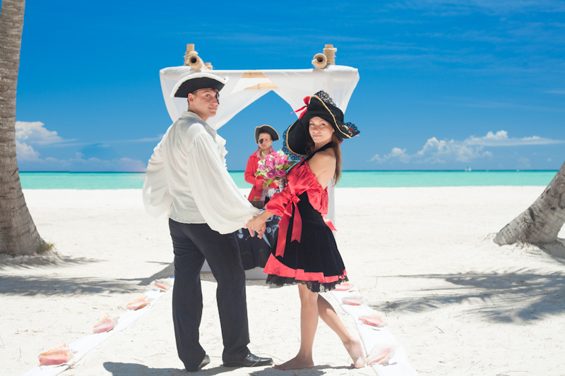 Vedi Tour Group Пиратская свадьба