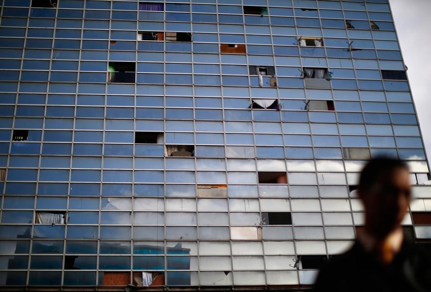Недостроенный офисный небоскреб