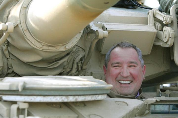 Рогозин в танке