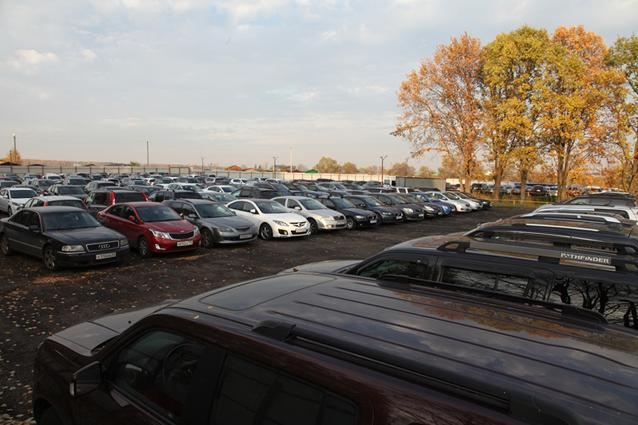 Парковка возле аэропорта Домодедовo