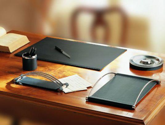 За таким столом и работается лучше!