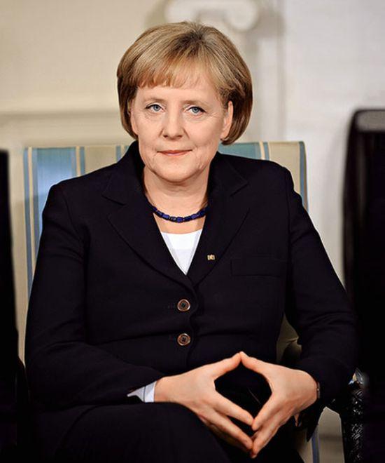 Нудистка оказывается эта Ангелы Меркель