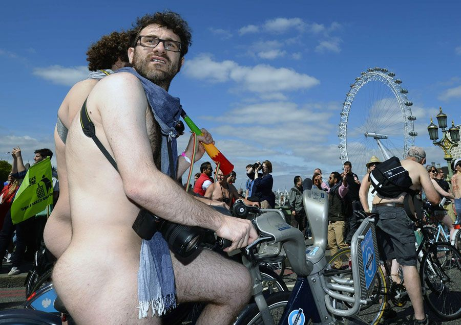 Всемирный Голый Велопробег-2013: Настолько гол, насколько смел