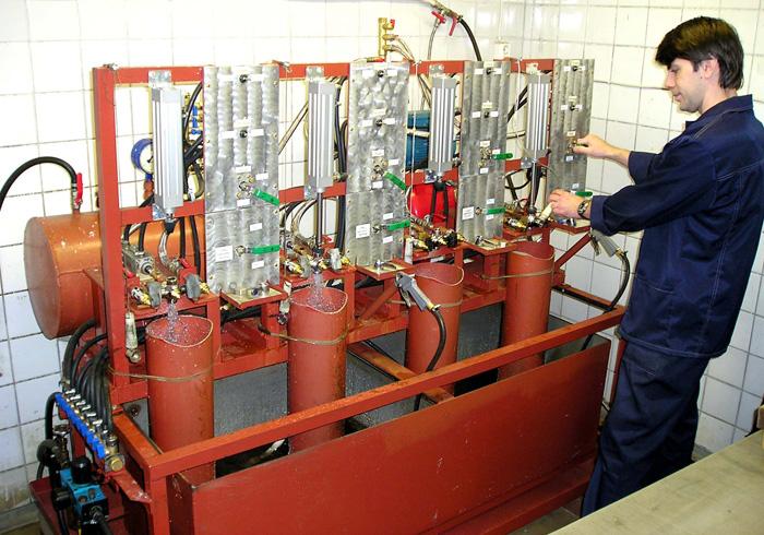 Стенд для гидравлических испытаний двухрукояточного смесителя