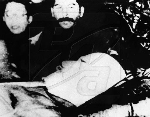 Сталин у гороба Ленина