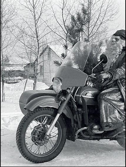 1988. Омская область. Дед Мороз спешит на праздник
