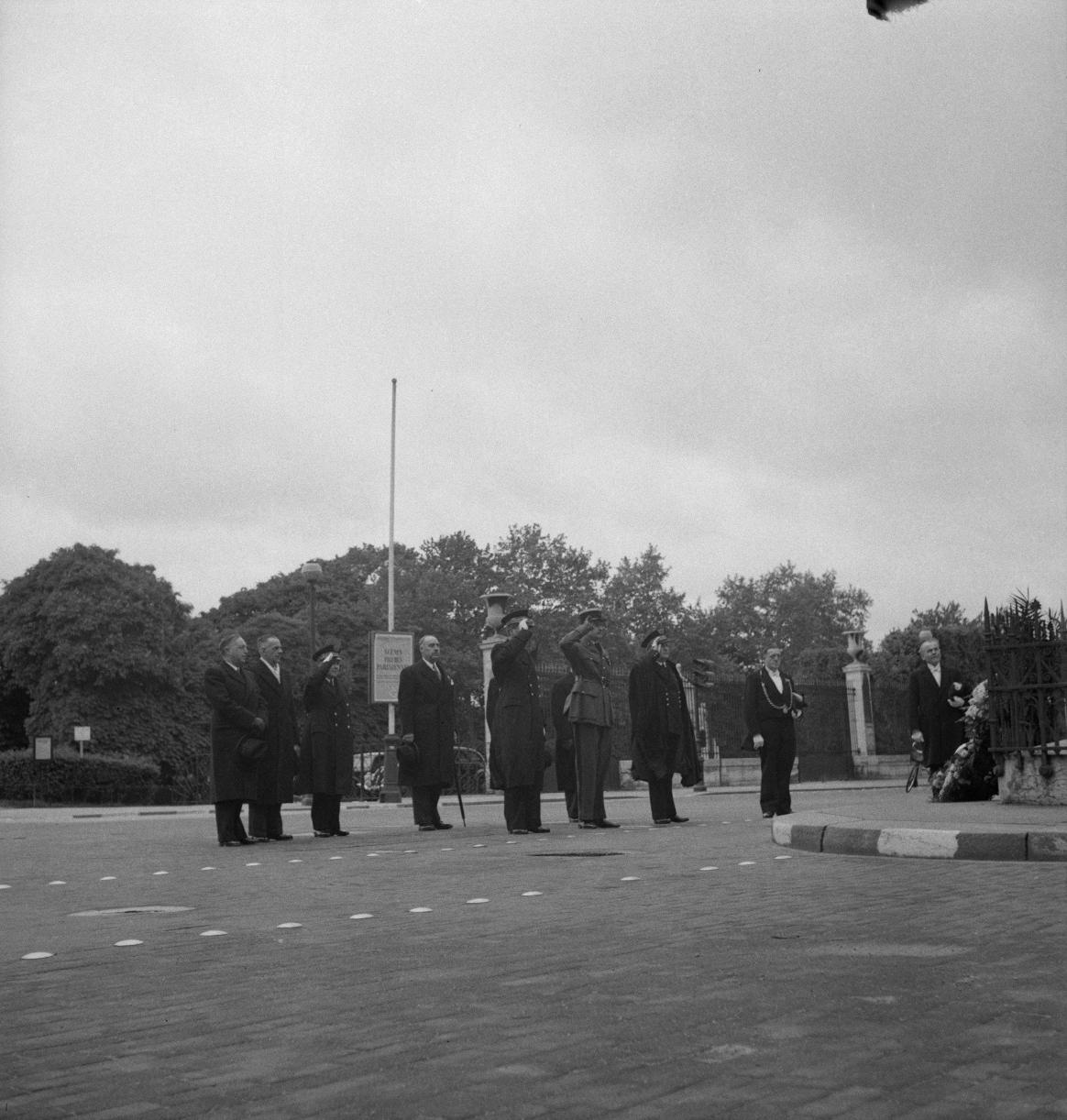 008. Комендант Корселл и Фернан де Бринон