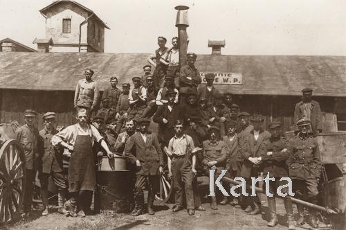 Солдаты и добровольцы Войска польского, Львов, 1919.