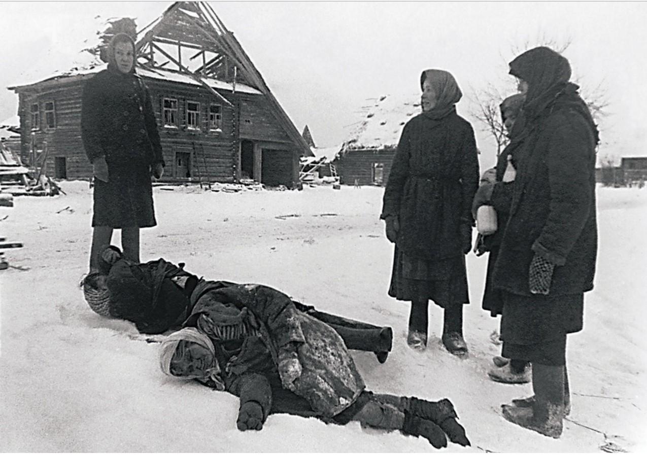 1942. Освобожденные советские территории. Расстрелянные гитлеровцами мирные жители