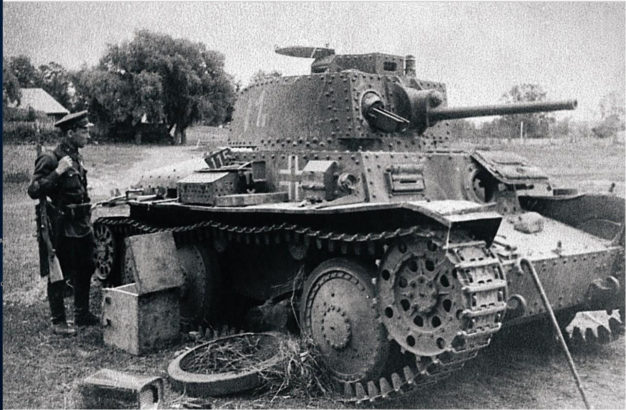1943. Северо-Западный фронт. Подбитый немецкий танк