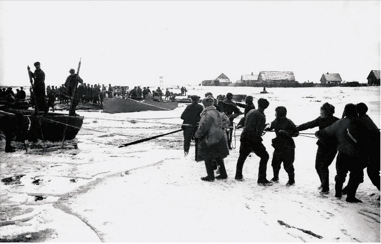 1944. Переправа через реку Пилицу. 44-я гвардейская танковая бригада