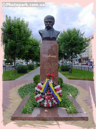 Памятник Шевченко в Бресте
