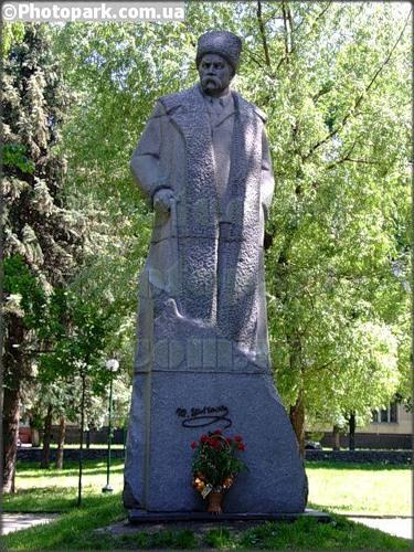 Памятник Шевченко в Хмельницком