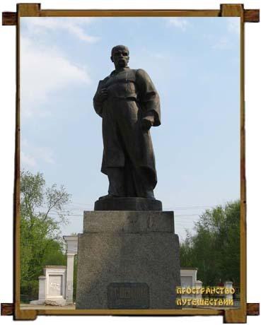 Памятник  Тарасу Шевченко в Бердичеве