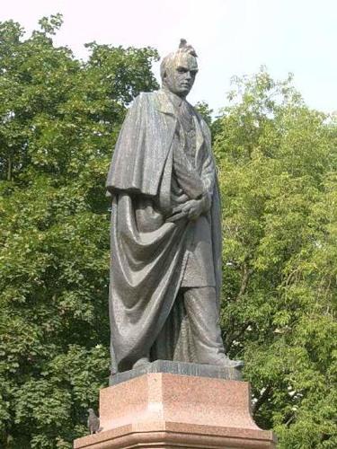 Памятнике Шевченко в Петербурге