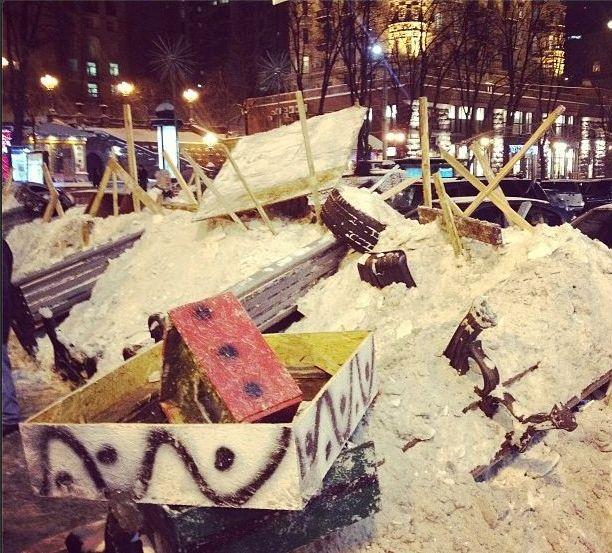 Баррикады на улицах Киева1