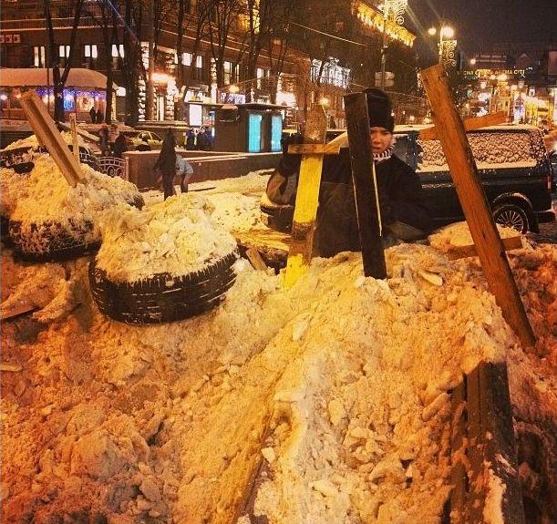 Баррикады на улицах Киева3