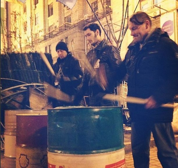 Баррикады на улицах Киева7