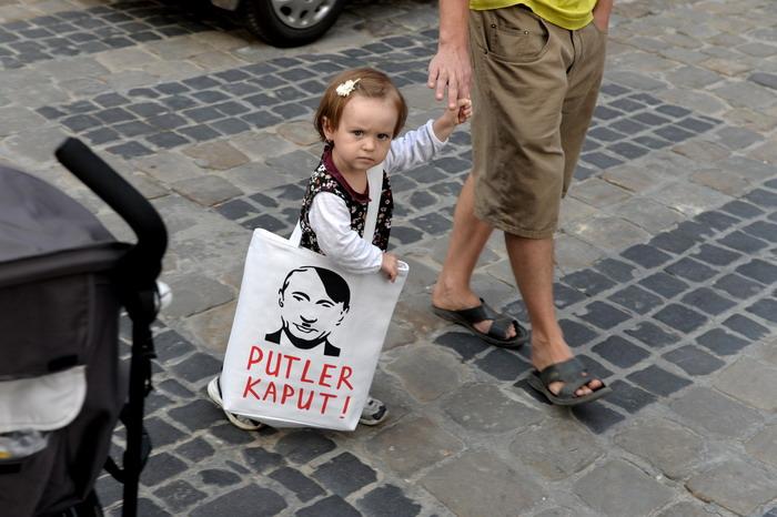 Yurko Dyachyshyn_(Putin in Lviv)_10_resize