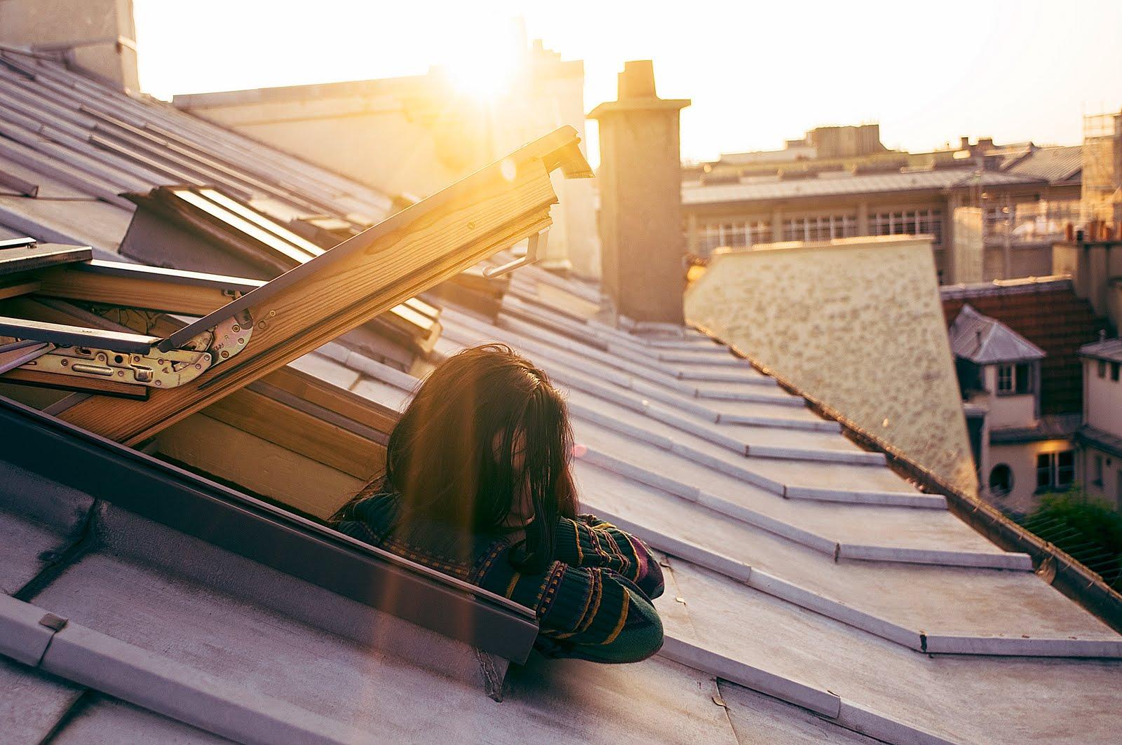 Фото девушек на крыше своего дома