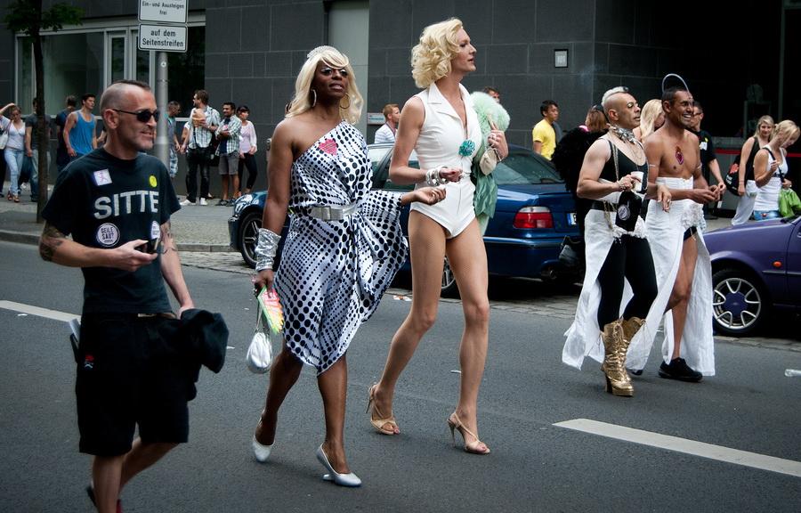 Транссексуалки на улице москвы когда закончишь