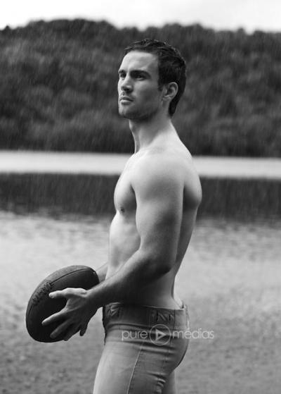 французские голые парни фото