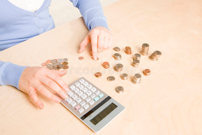 https://thumbs.dreamstime.com/b/counting-coins-9354833.jpg