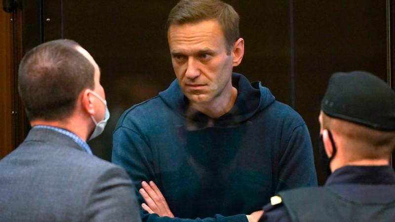 «А можно всех посмотреть?»: Навального не устраивают предложенные врачи