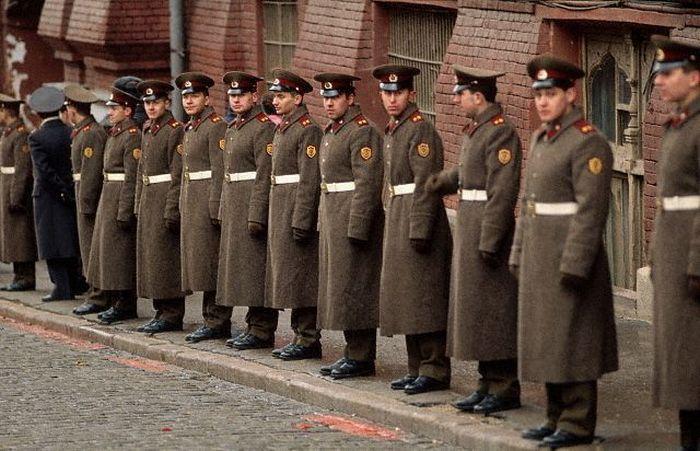 Эх, хорошо в Стране Советской... служить!