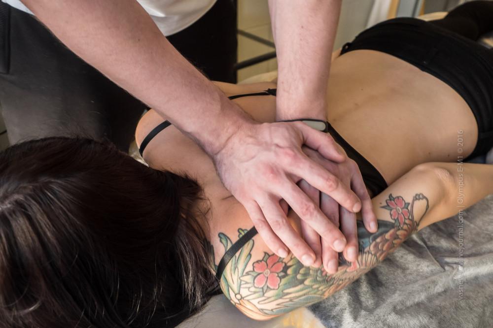Техника «противодействия» на мышцы спины