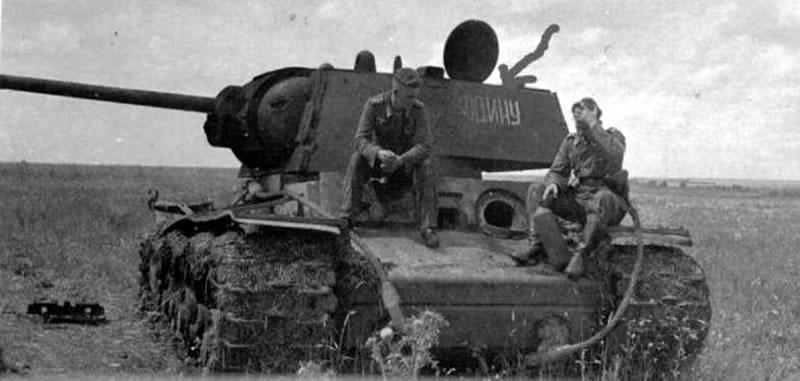 Танк КВ-1  'За Родину' 262-го танкового полка прорыва под Белгородом, июль1943