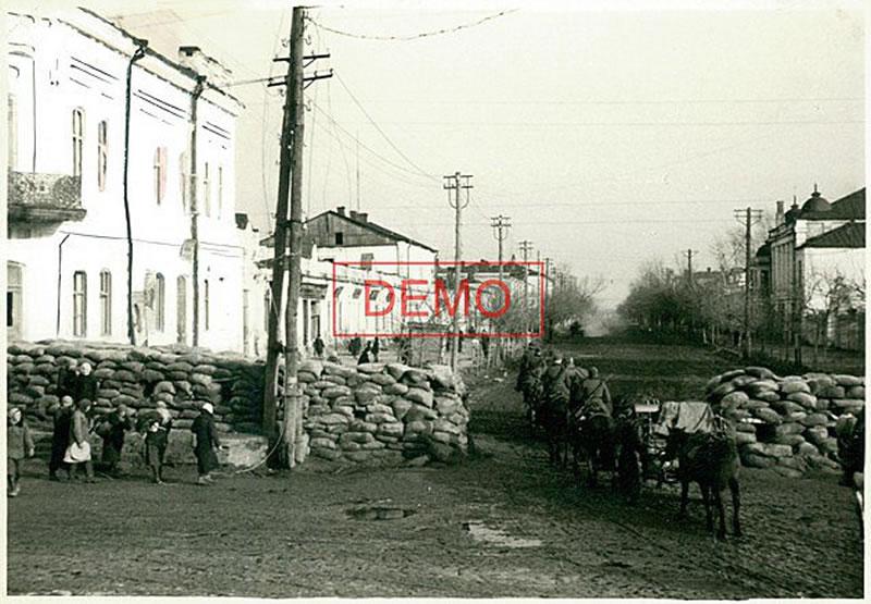 Забаррикадированная ул.Ленина Белгорода в первые дни оккупации, октябрь 1941 - Bjelgorod, 1941