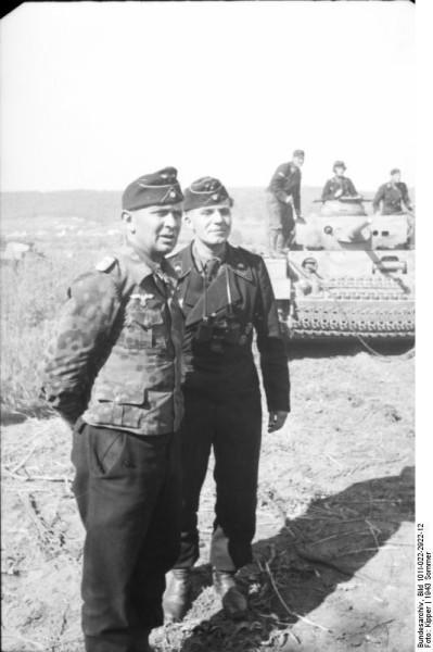 Bundesarchiv_Bild_101I-022-2922-12,_Russland,_Adelbert_Schulz,_Oberstleutnant_der_Panzertruppen