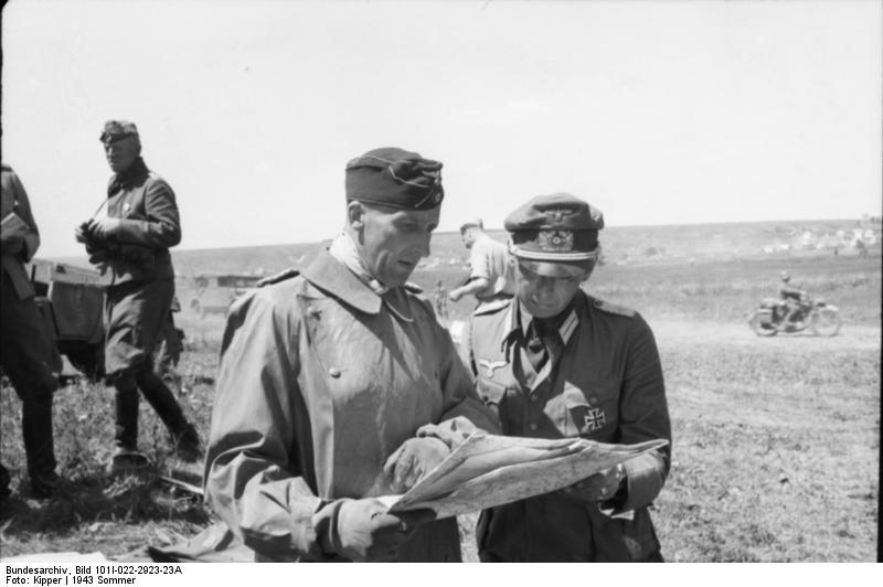 Bundesarchiv_Bild_101I-022-2923-23A,_Russland,_Oberst_v._Hünersdorff