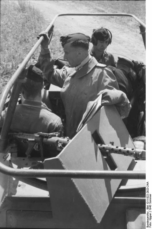 Walther von Hünersdorff Russia Operation Citadel Battle Kursk Map reading discussing strategy steppe bike wehrmacht sdkfz 250