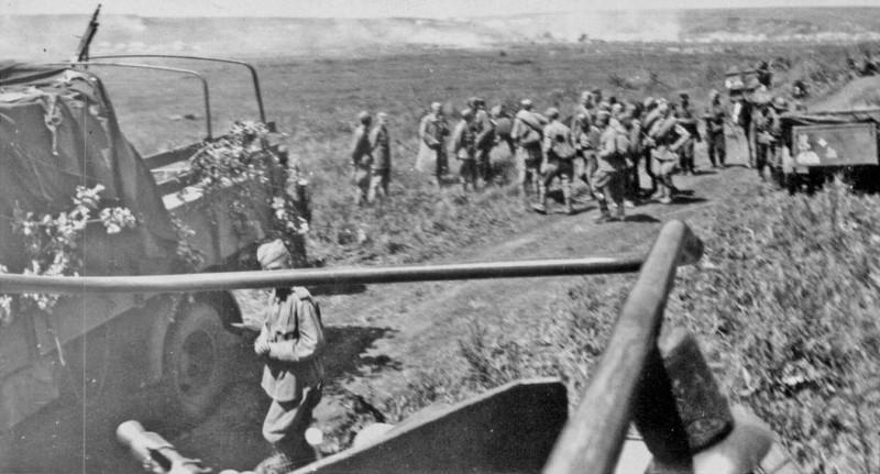 The Tank Magazine 1984-10 - Operation Zitadelle Battle Of Kursk - p123-1