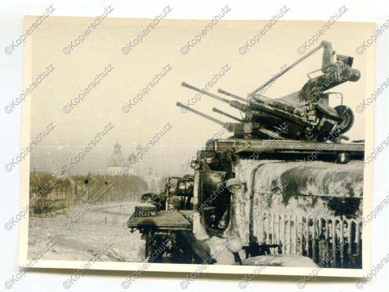Istra - Wehrmacht, Flak Selbstfahrlafette im Einsatz, Russland.jpg