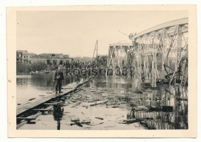 Переправа 168-й Пехотной дивизии Вермахта через Донец в Белгороде. Ноябрь 1941 г.
