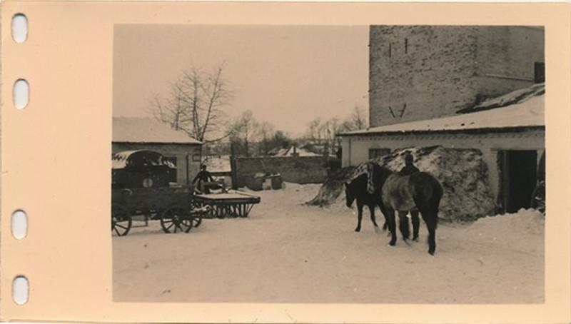1.Sanitats-Kompanie, 79.Infanterie Division возле солодовенной башни