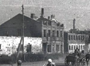 два дома за Сталинцем