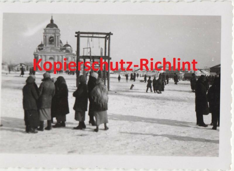 Wehrmacht Rußland große orthodoxe Kirche Marktplatz & Galgen! Winter