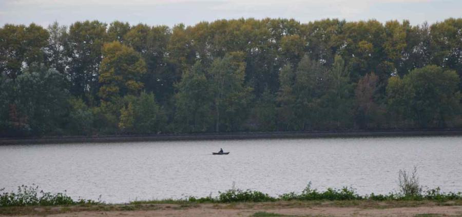 Углич и его обитатели Монах в лодке