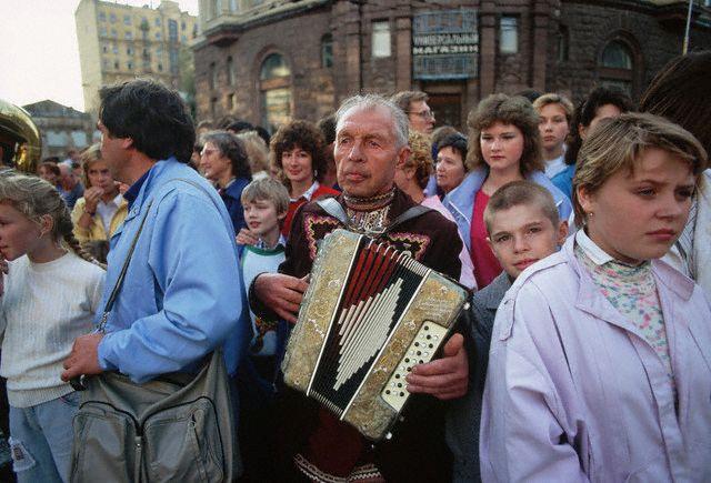 Обыденная жизнь России 1990-1991 годов в фотографиях