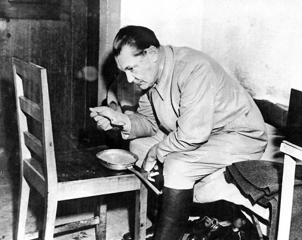 Нюрнберг -- речь в Фултоне воодушевила нацистских преступников
