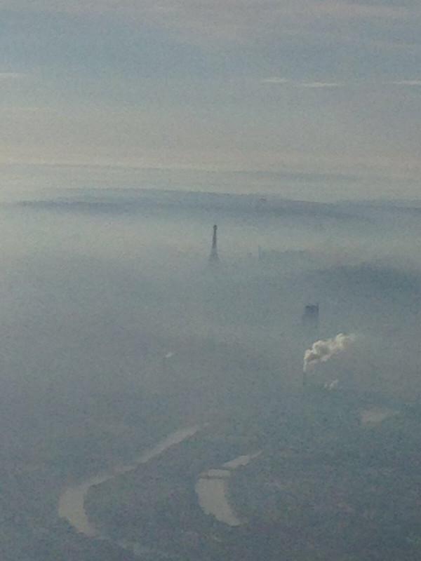 Париж задыхается и делает общественный транспорт бесплатным