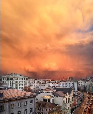Беснующееся зороастрийское небо Москвы