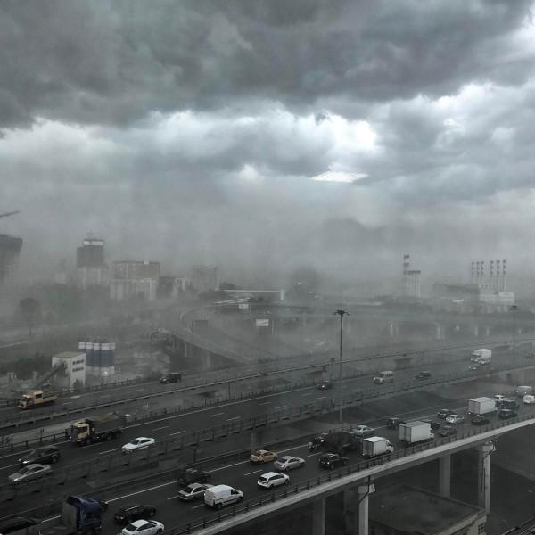 Москва. Ураган.