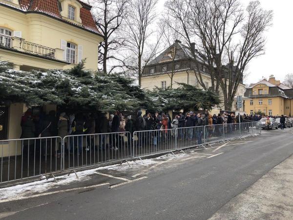 И напоследок: Крым бьет рекорд явки... В Приморье, Хабаровском крае, Еврейской АО начался подсчет