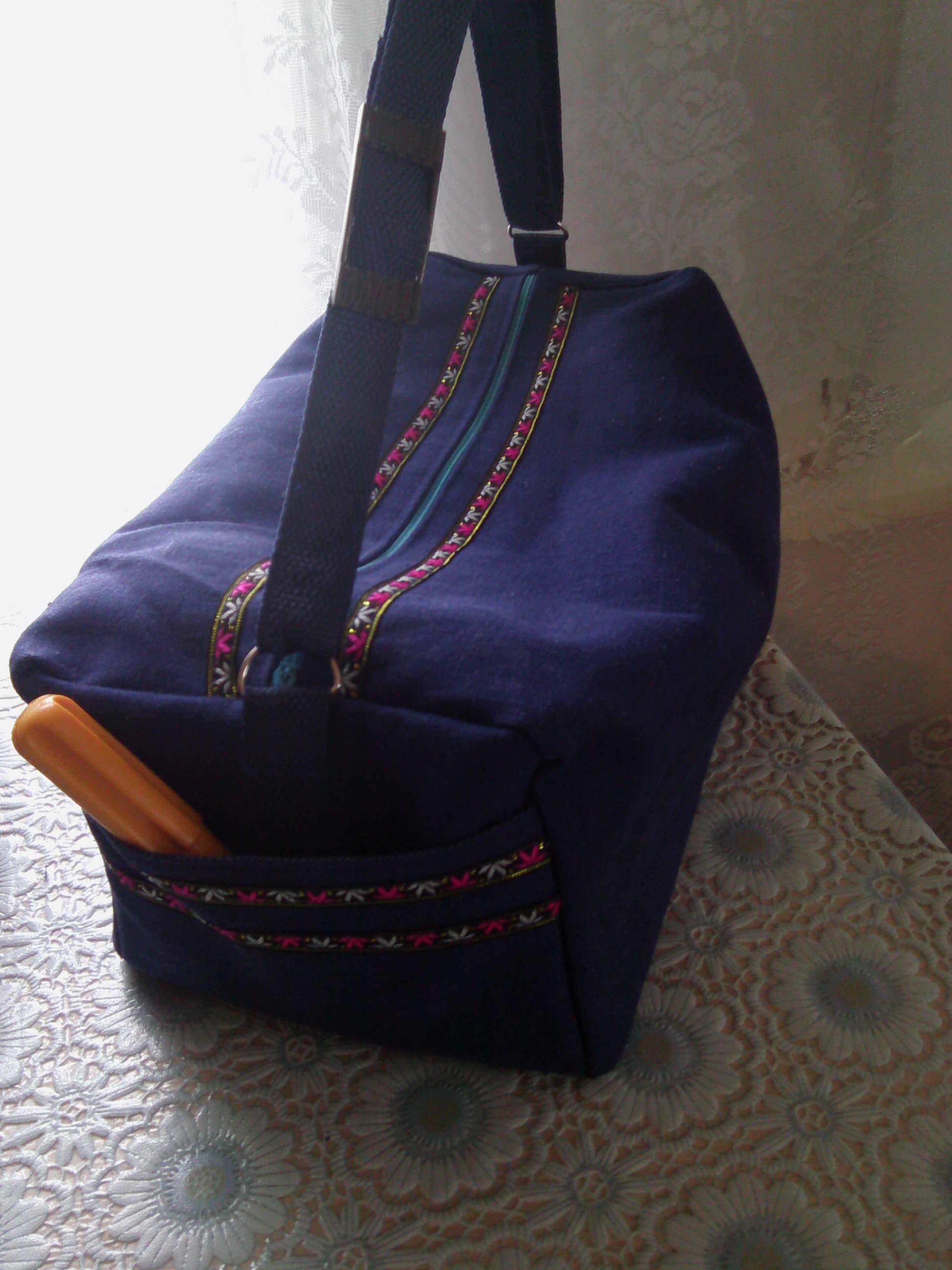 """Джинсовая сумка """"Надежда"""". Карманы с обоих торцев, внутри ещё два кармана."""